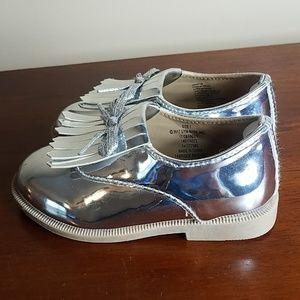 Crazy 8 toddler's silver metallic shoes